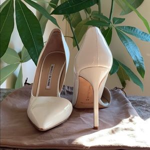 MANOLO BLAHNK WHITE SZ 40 Point Stiletto